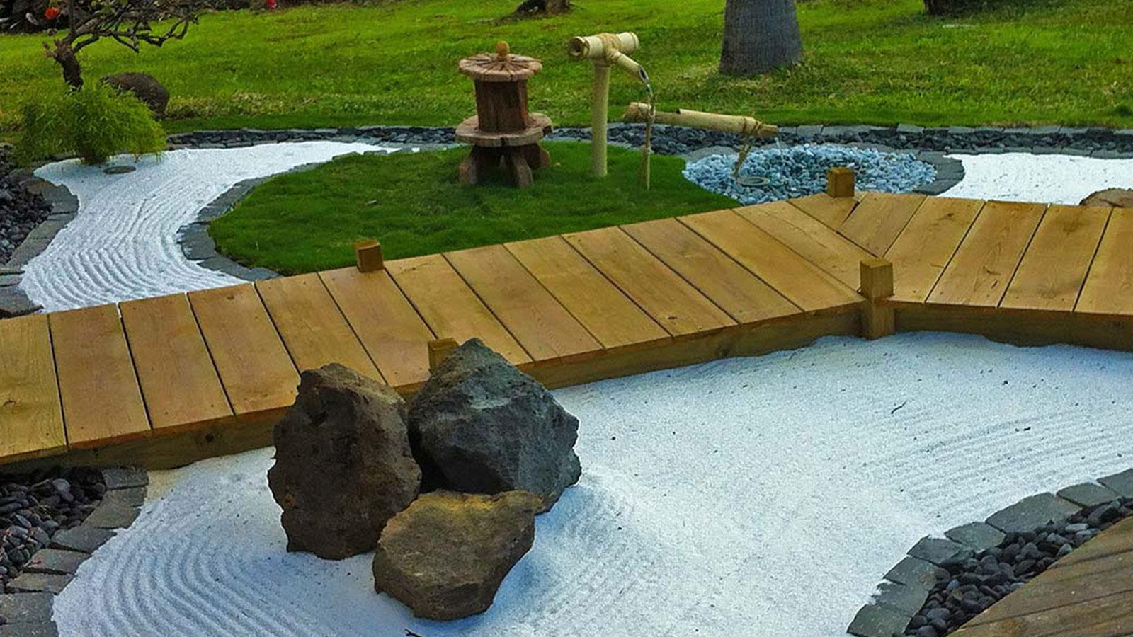 Cr ation de jardins sur l 39 le de la r union for Creation jardin zen